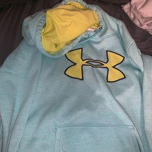 under amour hoodie size L